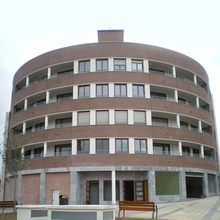 Edificación de viviendas, garajes y locales comerciales en Amorebieta - Etxano